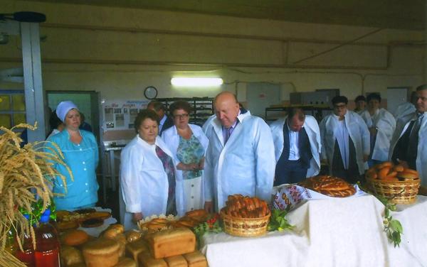 Делегация правительства НО во главе с главой региона В.Шанцевым посетила ПО «Большемурашкинский хлеб»