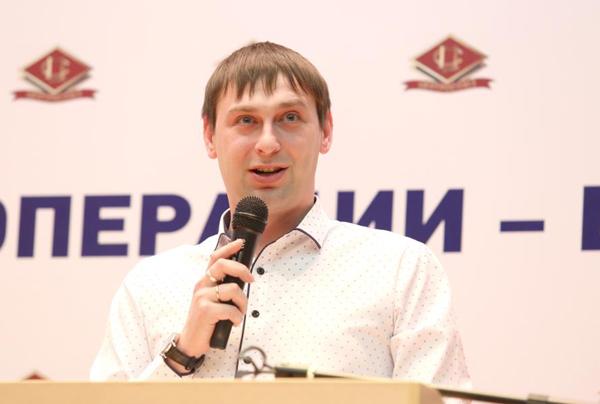 Председатель совета молодежи Ардатовского райпо Иван Чусов выступил в поддержку Владимира Путина на заседании Центросоюза РФ