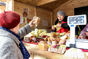 """Нижегородские кооператоры торгуют на пл. Минина на ярмарке """"Осенний дар"""""""